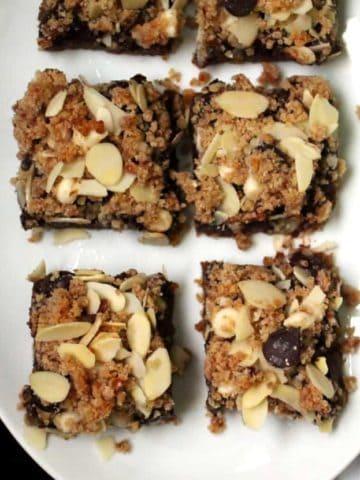Vegan layered chocolate chip cookie bars