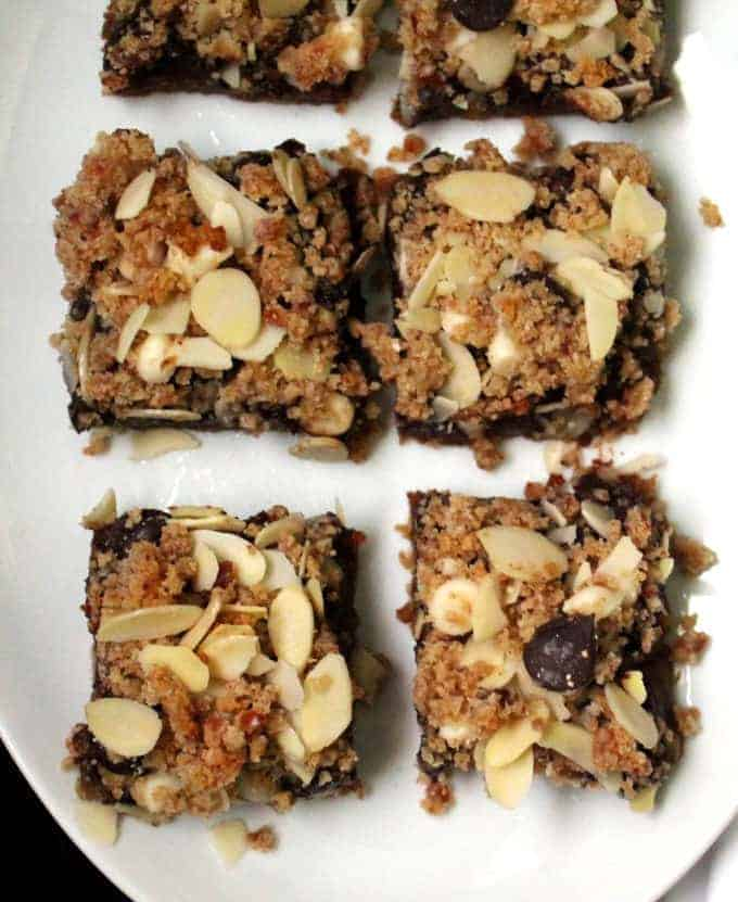 Vegan layered chocolate chip cookie bars