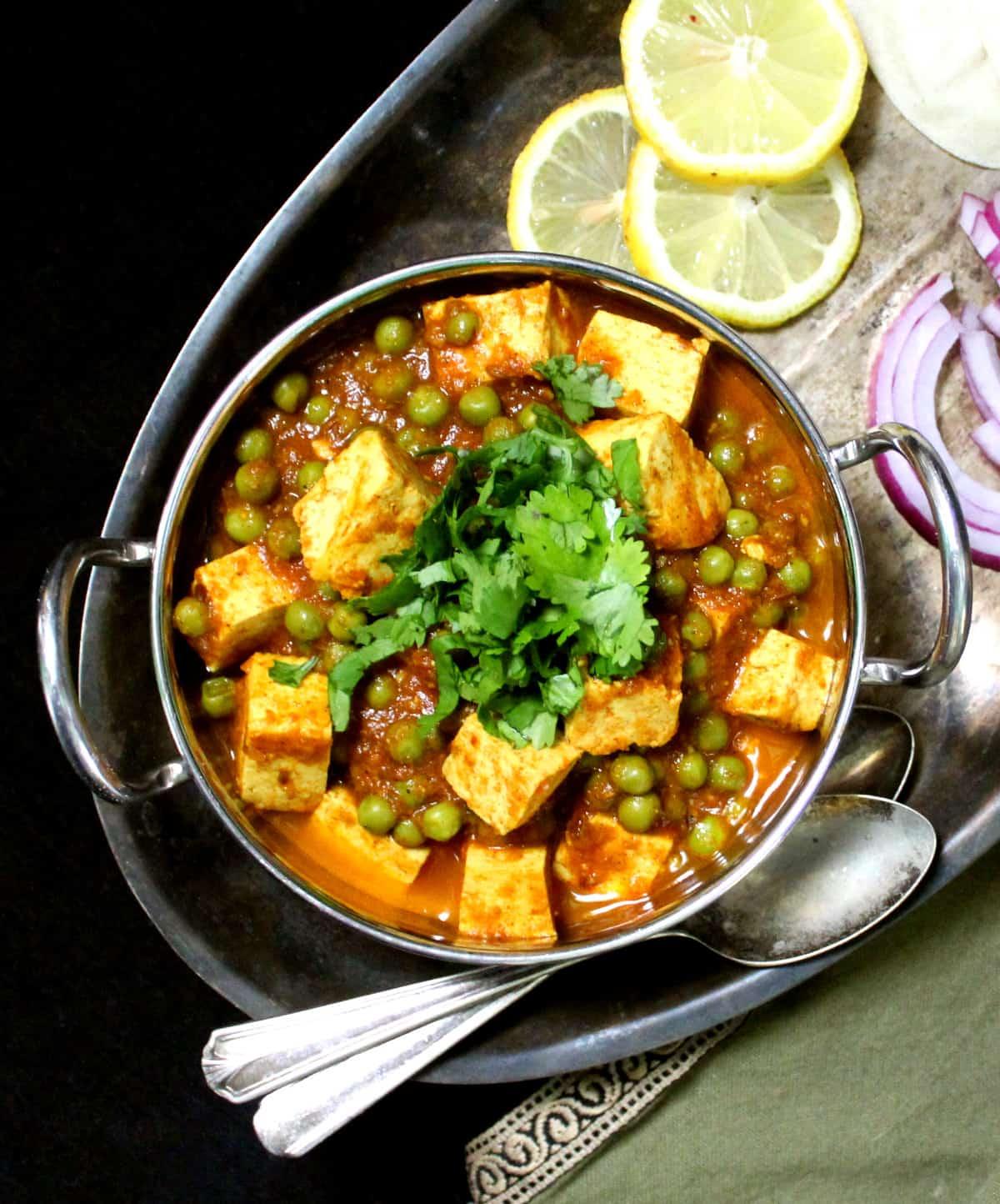Matar Paneer com Tofu   Vaca sagrada! Receitas Veganas