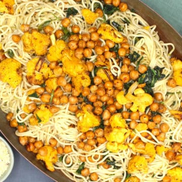 Pasta with Roasted Chickpeas, Cauliflower and Spinach