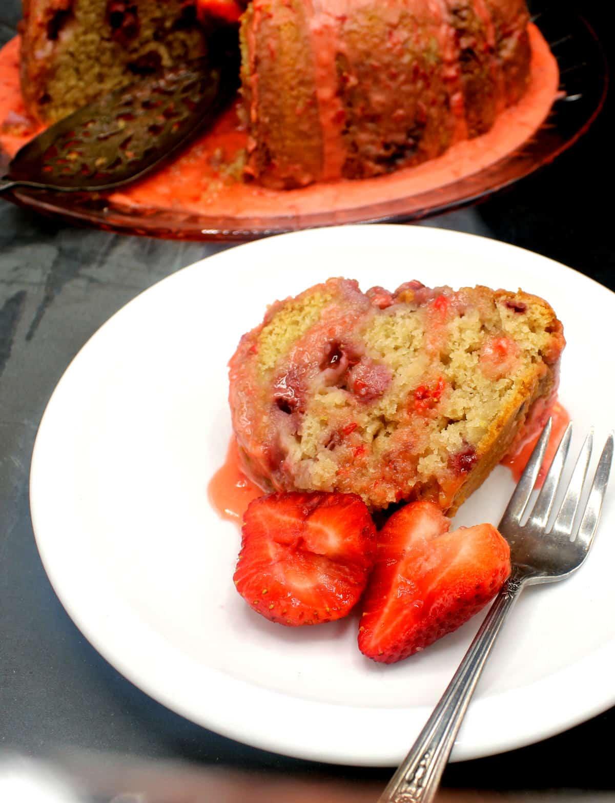 vegan strawberry cake 3