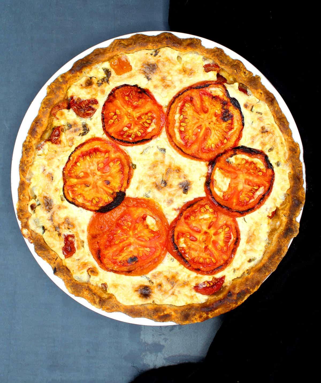 Overhead photo of a vegan tomato pie
