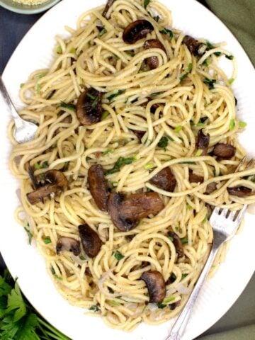 A plate of vegan mushroom pasta